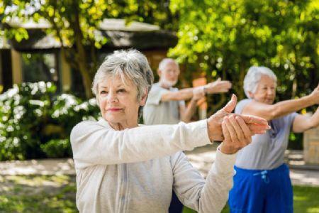 Esqueça a idade: sentir-se jovem pode ser a chave para um cérebro saudável