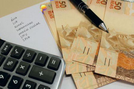 Contratação de crédito é opção para o pagamento das contas
