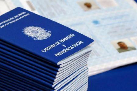 Desemprego recua para 11,7% no Brasil