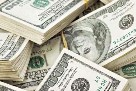 Dólar sobe e vai a R$ 3,727, após maior queda em mais de 9 anos; Bolsa cai