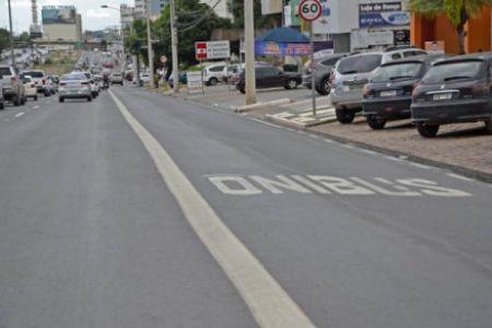 FAIXA DE ÔNIBUS: A partir de fevereiro, Prefeitura passa a multar quem invadir espaço