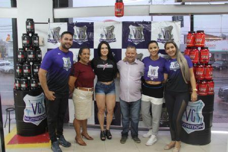 Shopping Popular recebeu a fisiculturista Karen Brandão
