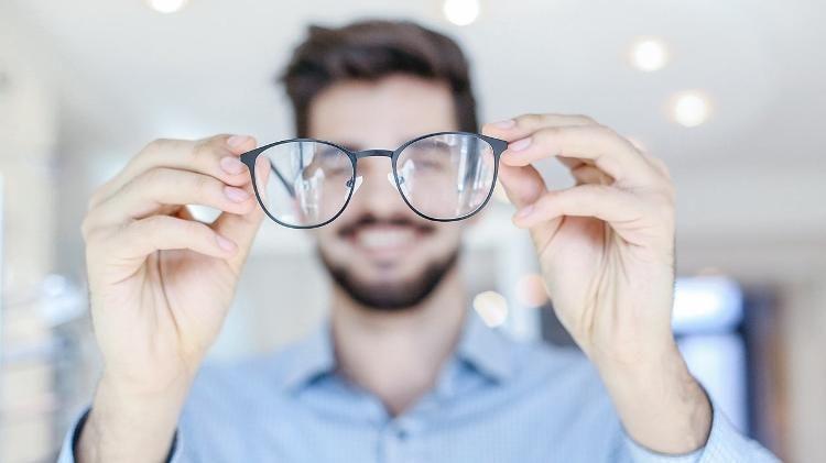 3d5d7e43854f5 Não enxerga bem  Será que você precisa de óculos multifocais ...