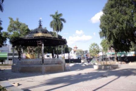 Totalmente revitalizada, nova Praça Ipiranga é entregue nesta segunda-feira (04)