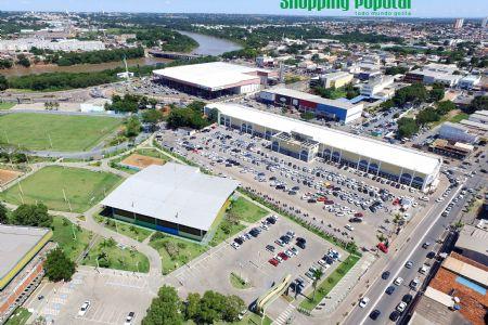 Shopping Popular oferece diversos serviços para população