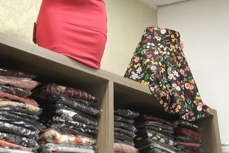 Tendências na moda evangélica podem ser encontradas no Shopping Popular