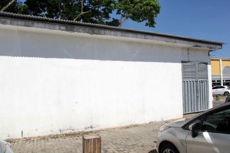 Casa de energia está em manutenção para a segurança dos associados internos do Shopping Popular