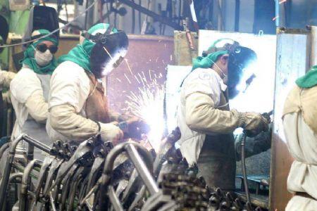 IBGE revisa produção industrial de junho ante maio, de 13,1% para 12,9%