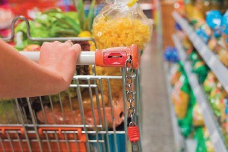 Pesquisa aponta principais mudanças nas escolhas do que é colocado no carrinho de supermercado