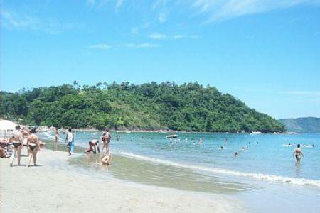 Moda praia segue tendência body positive