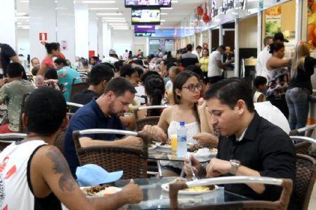 Tradição familiar em restaurantes e lanchonetes tradicionais no Shopping Popular